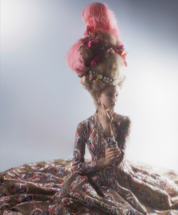 couture marie antoinette3 Karl Lagerfeld i Lindzi Vikson za Harpers Bazaar