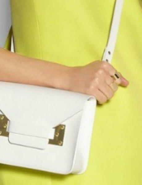 Raskoš boja zameni torbom u beloj boji
