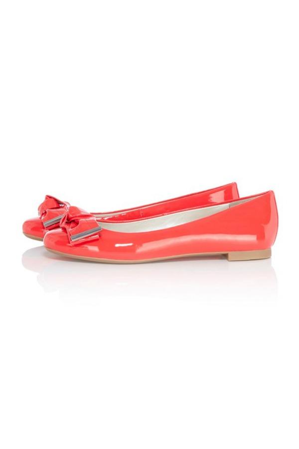 75 Kada hodaš u trendi cipelama… ne zastajkuješ!