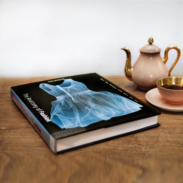 8525 640n BookPlus: Moda za čitanje