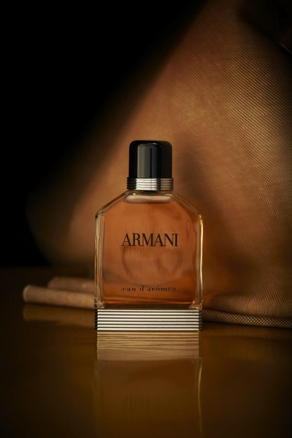 Armani eau daromes Giorgio Armani: Novi muški miris Eau D'Arômes