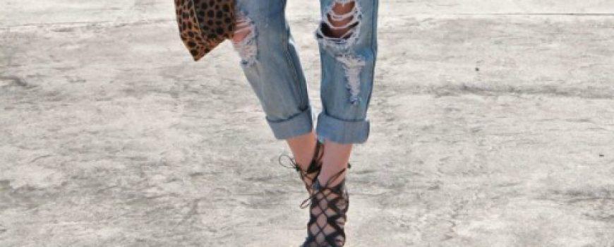 Boyfriend jeans i šik cipele: Poželjna kombinacija i ove sezone