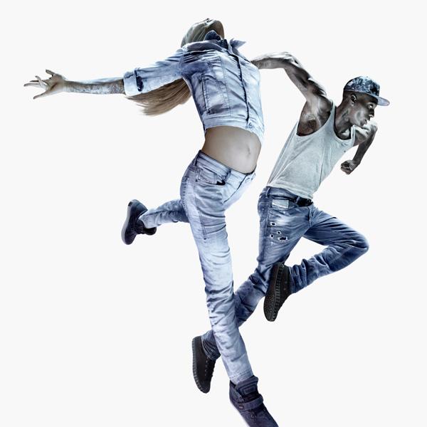 DIESEL JJ SS14 IMAGE 1 CROP SQUARE DIESEL JOGG jeans predstavlja abecedu plesa