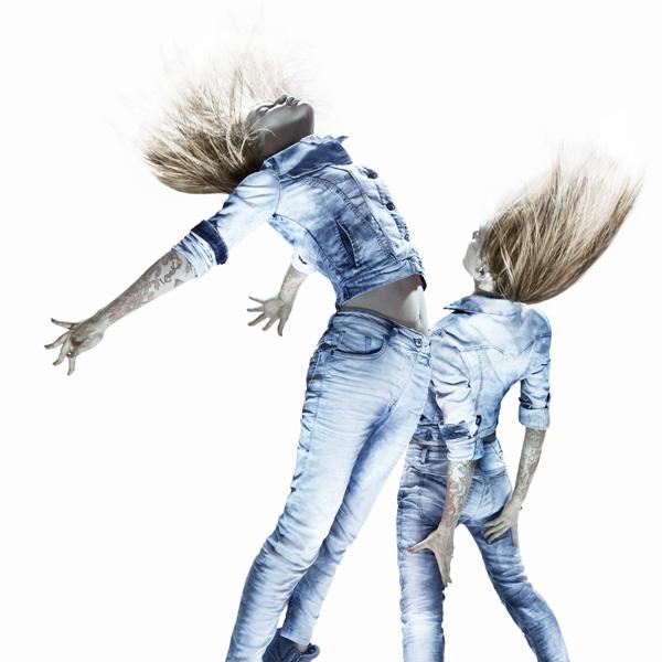 DIESEL JJ SS14 IMAGE 2 CROP SQUARE RETOUCH DIESEL JOGG jeans predstavlja abecedu plesa
