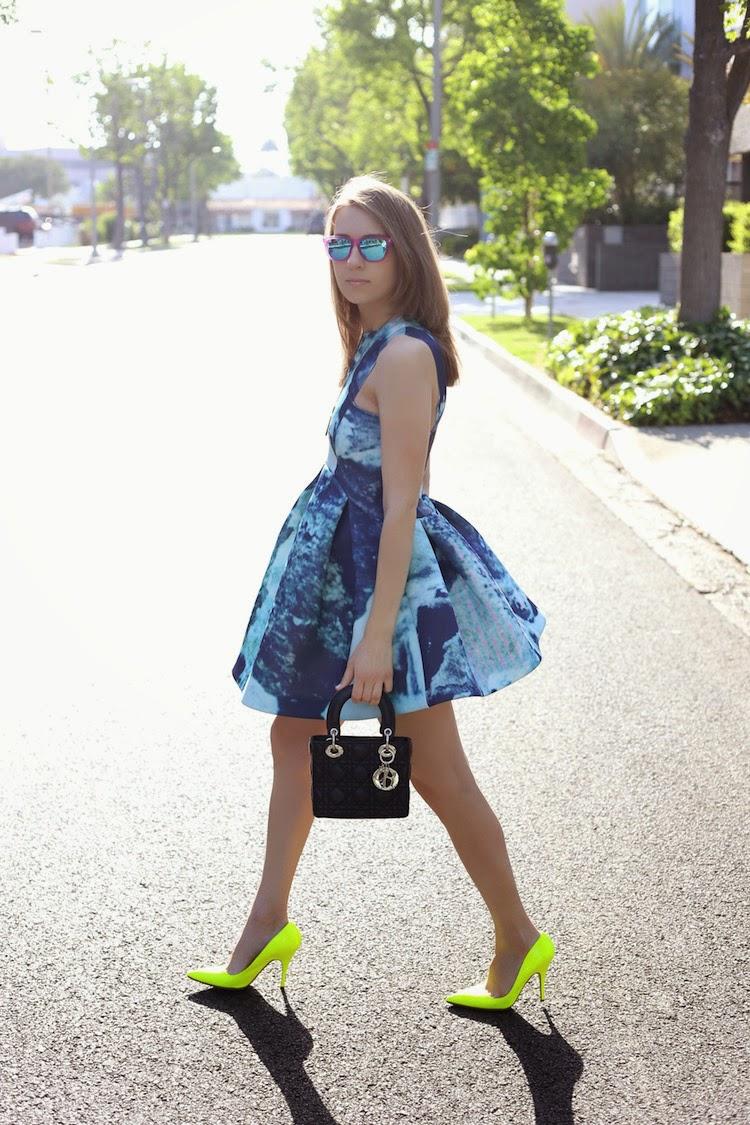 Diana Marks AQAQ Original Skater Dress in Auryn Print 5 Modne blogerke: Najbolji modni stil nedelje