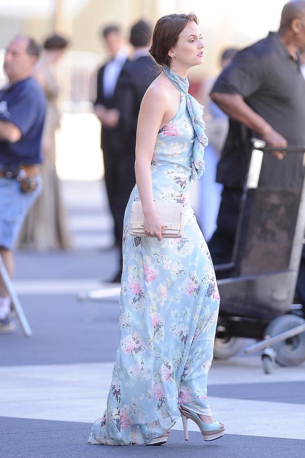 Floral Silk Gown Perfect Day Night Piece Kad ste u dilemi zapitajte se: Šta bi uradila Bler Valdorf?