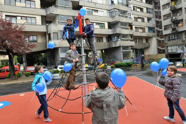Igralište 2 NIVEA   stalo nam je gde nam rastu deca