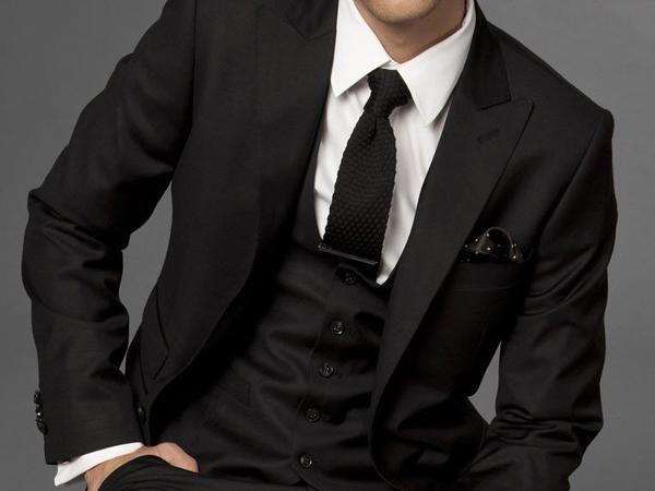 Mens Wear 2012 Fashion Business Suit Custom Made Suit Black Three piece Suit Men In Suits Ni slučajno ne žalite novac za kvalitetno odelo!