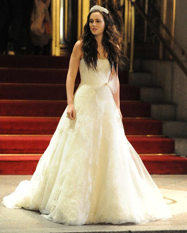 When Time Comes Try Multiple Wedding Dresses Kad ste u dilemi zapitajte se: Šta bi uradila Bler Valdorf?