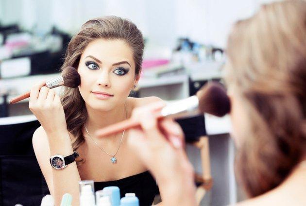 embedded makeup brush use Zapovesti lepote: Ništa bez osnovne kozmetičke higijene