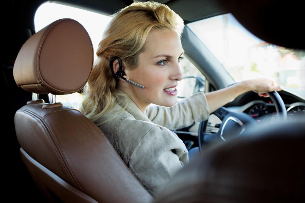 voyager legend woman driving rgb 1024x683 Ovo više nije kul: Ko još koristi ove gedžete?