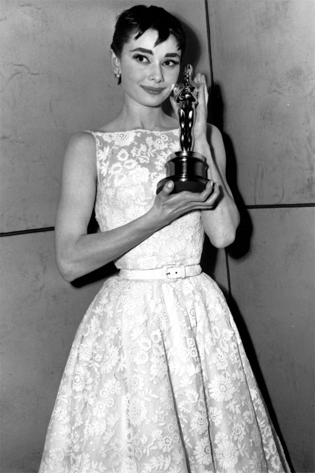 01 Audrey Hepburn Oskar Najbolje modne saradnje: Odri Hepbern i Givenchy