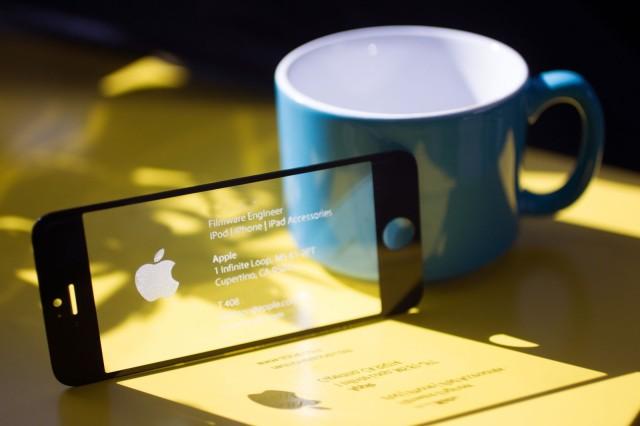 20140422 obsess 0029 edit 640x426 2 Fensi tehnologija: Vizit karta od ekrana za iPhone