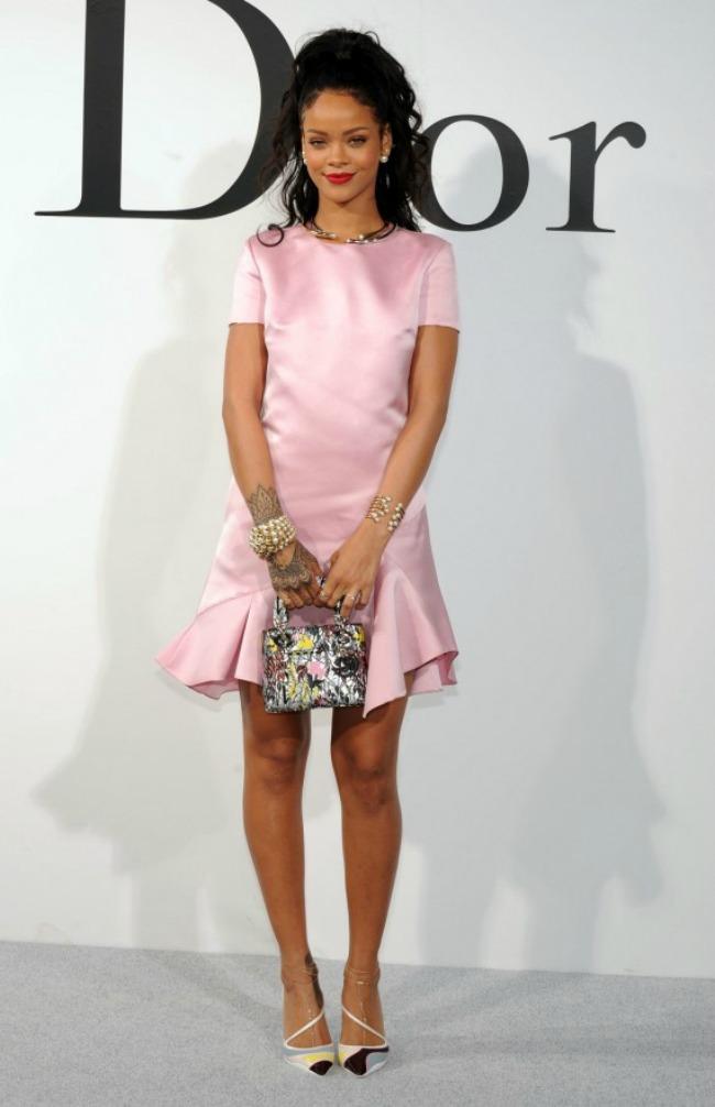 328 Modne vesti: Lepa Anđelina, smerna Rijana i ubuduće Givenchy Ališa