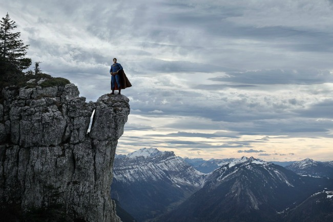 468 Iz druge perspektive: Usamljena strana superheroja