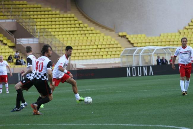 819 Kad Nole igra fudbal: Humanitarne utakmice u Monaku