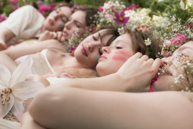 Anais Anais Girls Tribu o Anaïs Anaïs: Cacharel, miris koji osvaja