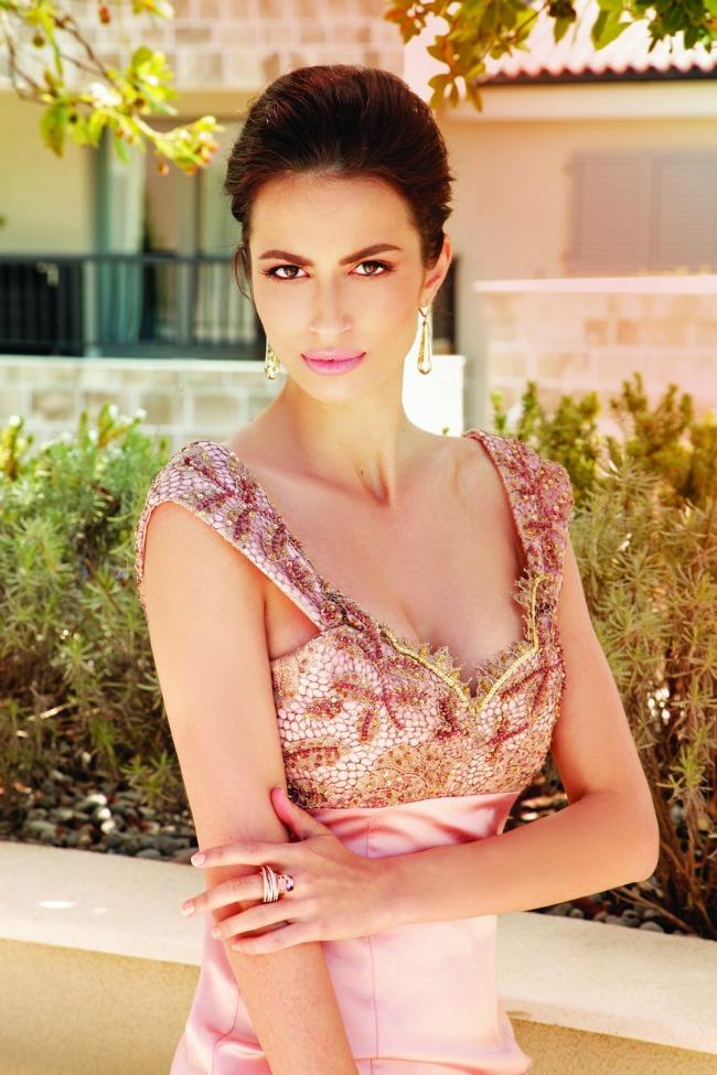 Biljana Tipsarevic MG 0005 Ekskluzivna modna kolekcija: La Storia di una donna