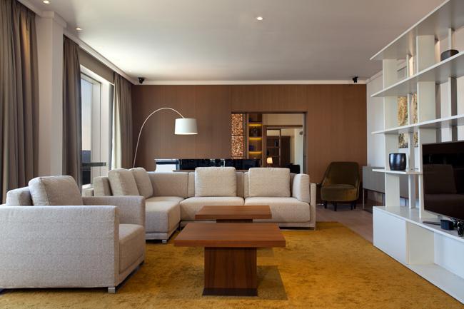 """Presidential suite living room Hyatt Regency Beograd i Wannabe Magazine nagrađuju: """"Najlepši pogled iz sobe"""""""