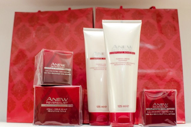 Slika 1 Anew proizvodi Beauty trendovi: Avon Anew Reversalist prkosi vremenu