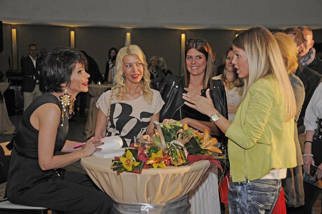 TOP7871 Održana spektakularna promocija knjige Poslednje proleće u Parizu Jelene Bačić Alimpić