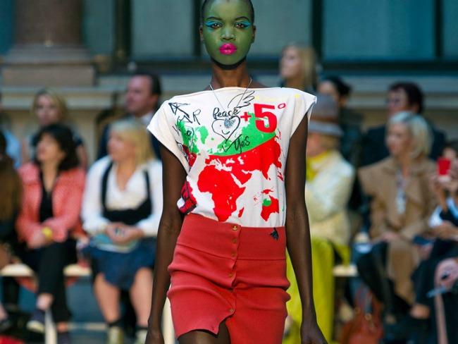U Budvi će biti predstavljena kolekcija kojom Vivienne Westwood ukazuje na globalne klimatske promene Događaj koji obećava: Revija čuvene britanske dizajnerke Vivijen Vestvud u Budvi