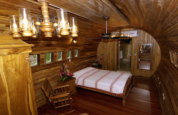 boeing727istransformedintohotelsuiteincostaricandesignboom04 dwmlh Put oko sveta: Luksuzni apartman avion usred džungle