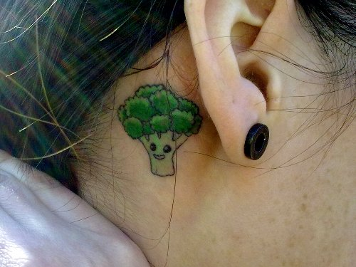 embedded broccoli tattoo Promašaj nad promašajima: Najgore tetovaže