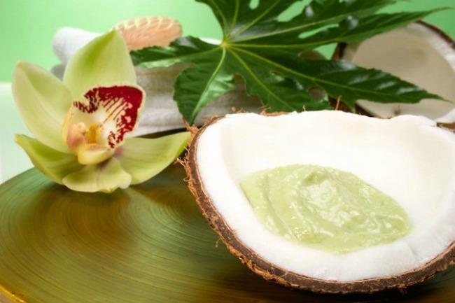 embedded coconut body scrub Opusti se, prepusti se: Homemade pilinzi za telo