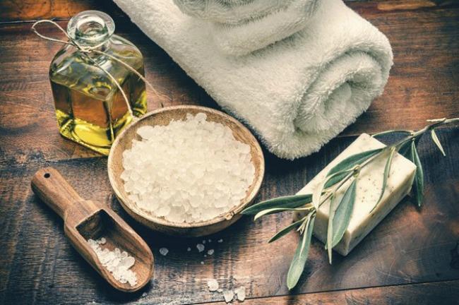 embedded salt body scrub Opusti se, prepusti se: Homemade pilinzi za telo
