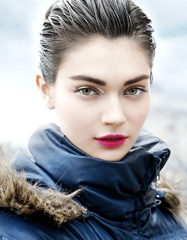 kvvcztmn Beauty trend: Probaj ajlajnere u boji