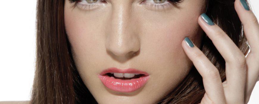 Make-up saveti Marka Nikolića: Naoružajte se BB kremom i ružem u svetlijoj nijansi