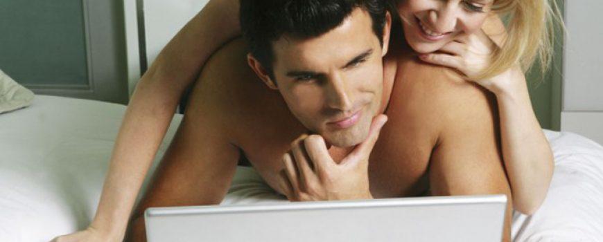 Porno predigra: Gledajte pornić zajedno