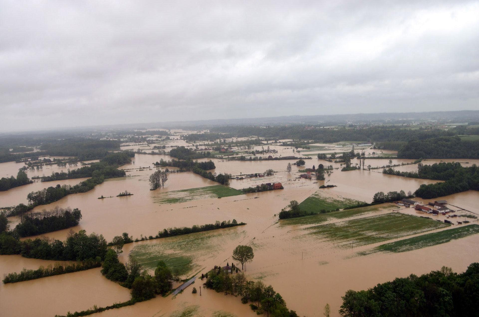 srbija zbog poplava evakuisano 6175 ljudi povrijedjeno 20 1400222300 Poplave u Srbiji: Voda će se povući, a gde će sav taj stres?