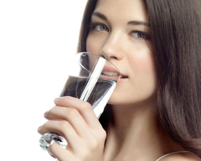 192 Ne dozvolite da vaše telo izgubi vodu: Tri znaka da ste dehidrirali