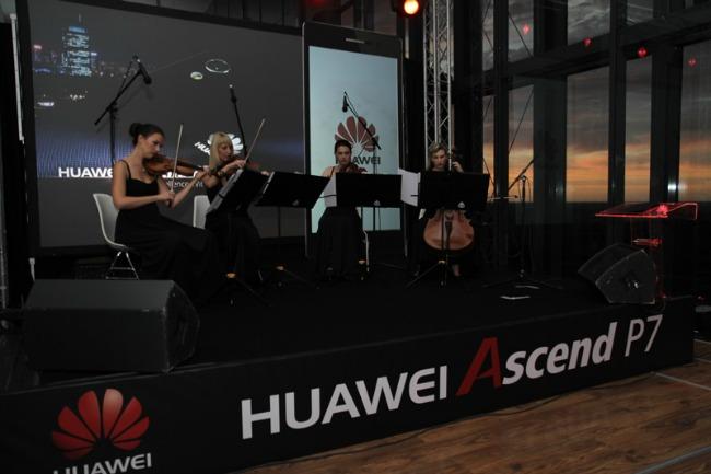 533 Uz novi Huawei premium smart telefon nezamislivo postaje moguće