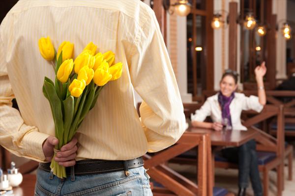 Couples meeting on first date1 Potraga za Pravim: Gde upoznati novog dečka?