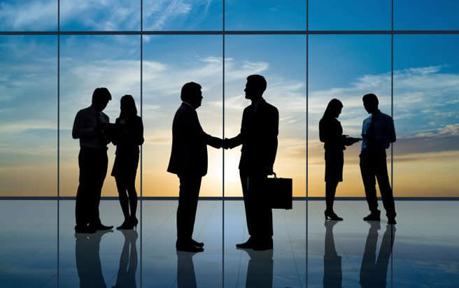 Direktversicherung text Zlatna business pravila: Na poslu smo kolege, ne drugari
