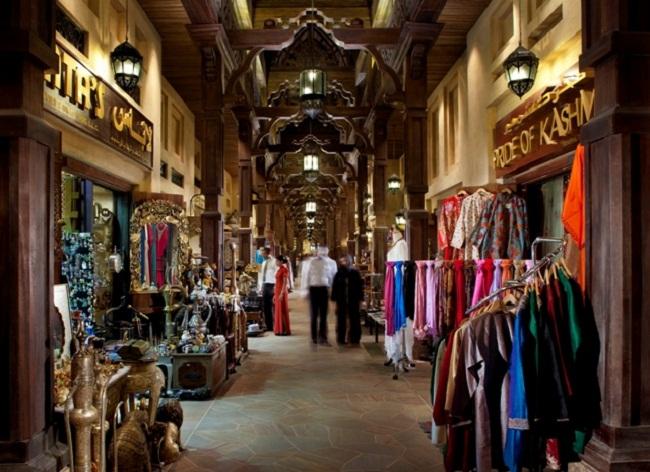Dubai Souk mesto gde se kriju sve tajne istoka Dobrodošli u Dubai: Šest stvari koje morate da uradite na ovoj najglamuroznijoj destinaciji
