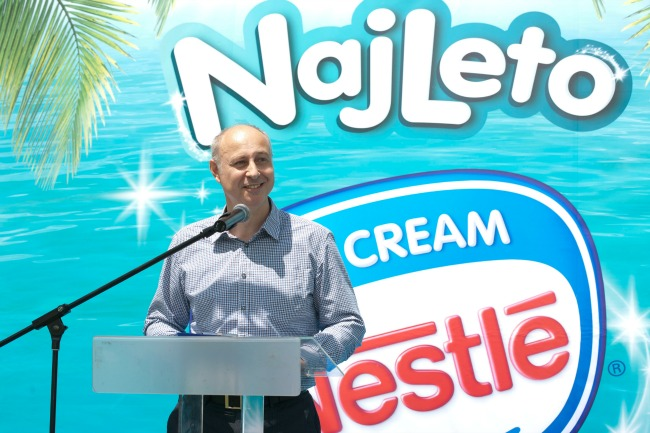 Mileta Popov direktor fabrike sladoleda u Staroj Pazovi Nestlé Fabrika sladoleda u Staroj Pazovi