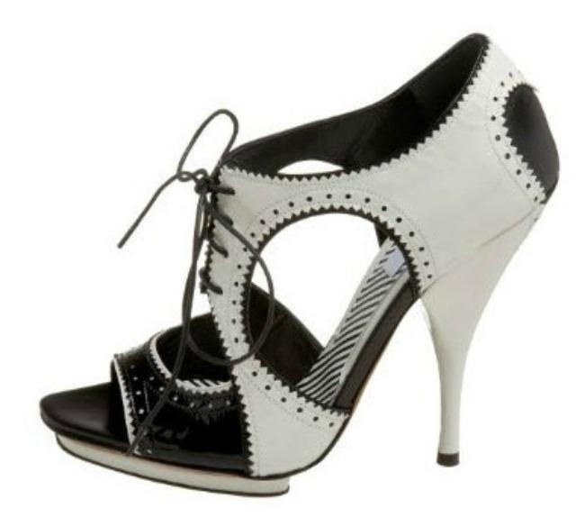 Moskino vintidz Lepota kao imperativ: Krpice, cipele i modni dodaci