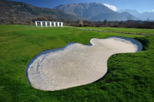 Royal Montenegro prvi profesionalni golf teren na Jadranu u pripremi u zalivu Tivta Modni spektakl: Vivienne Westwood u Budvi