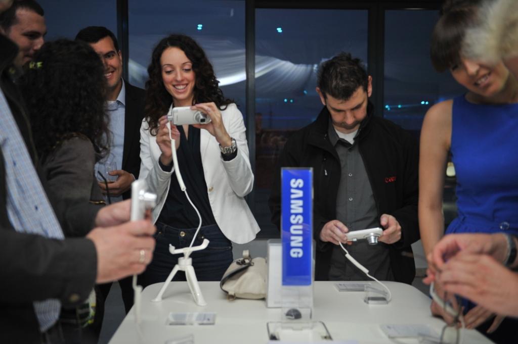 Samsung Galaxy K Zoom 02 Samsung i Vip predstavili Galaxy K Zoom: Smart telefon sa optičkim zumom