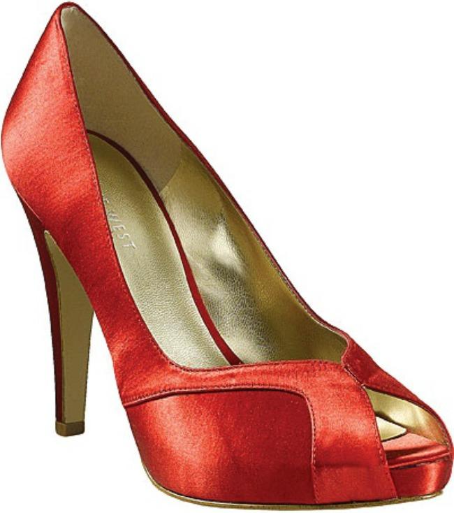 U znaku starog Holivuda Lepota kao imperativ: Krpice, cipele i modni dodaci