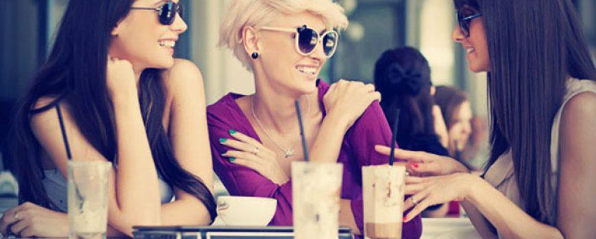 Sad ga smotaj: Kako privući pažnju frajera u kafiću?