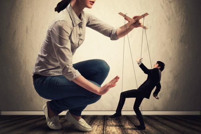 woman and man1 Žene vs Muškarci: Kad je žena jača