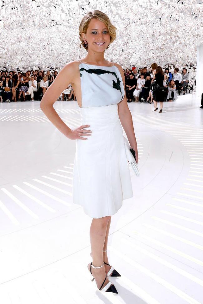 107 Sve zvezda do zvezde: Ko puni prve redove na revijama visoke mode?