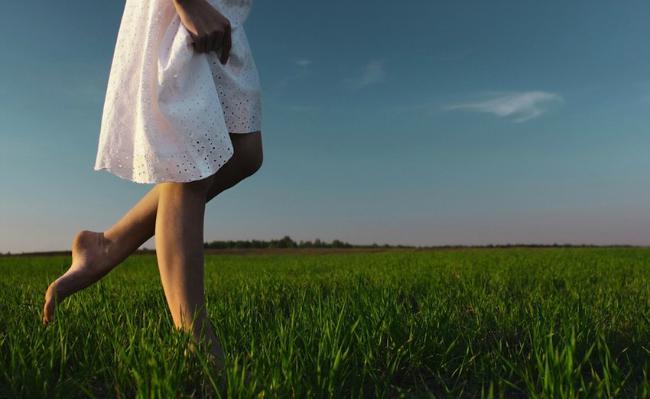Bosa Brini o sebi: Budi zdrava, hodaj bosa