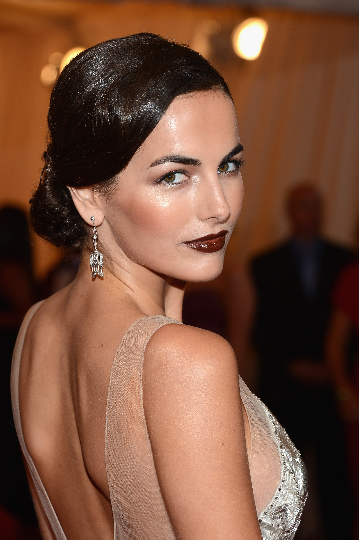 Dark Lips 2 Beauty trend: Braon karmin
