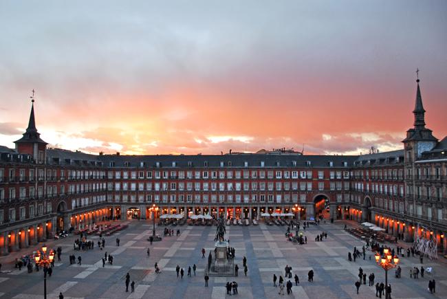 Plaza Mayor de Madrid 02 Vodič kroz Madrid: Mesta koja bi trebalo posetiti